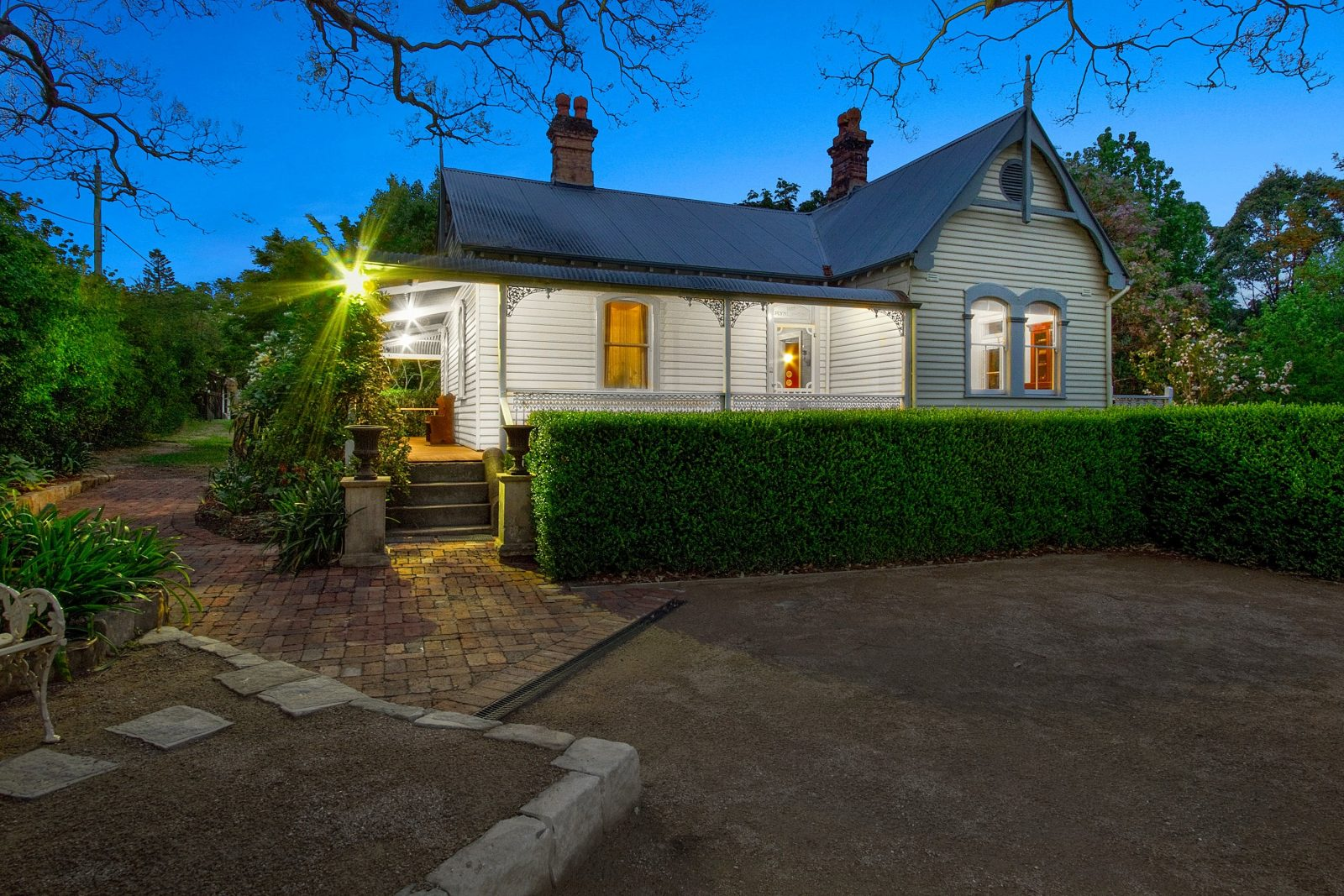 1860 Heritage Listed Cottage