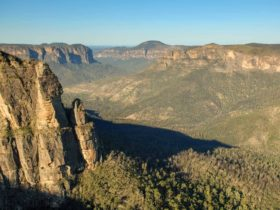 Pulpit walking track hero, Blue Mountains National Park. Photo: Steve Alton/NSW Government