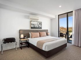 Quest Goulburn Queen size room with view