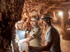 Red Earth Opal Mine Tour