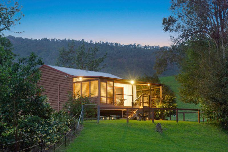 Romantic Getaway - Creekside Cabins