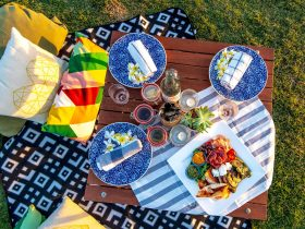 Riverside Picnic sharing platter and picnic setting
