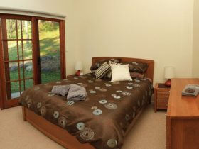 Riverview Cottage at The Steps - main bedroom