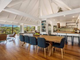 Rockinghorse House - Byron Hinterland - Dining table and kitchen
