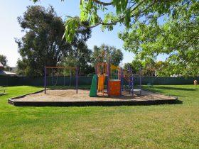 Ron Pople Park