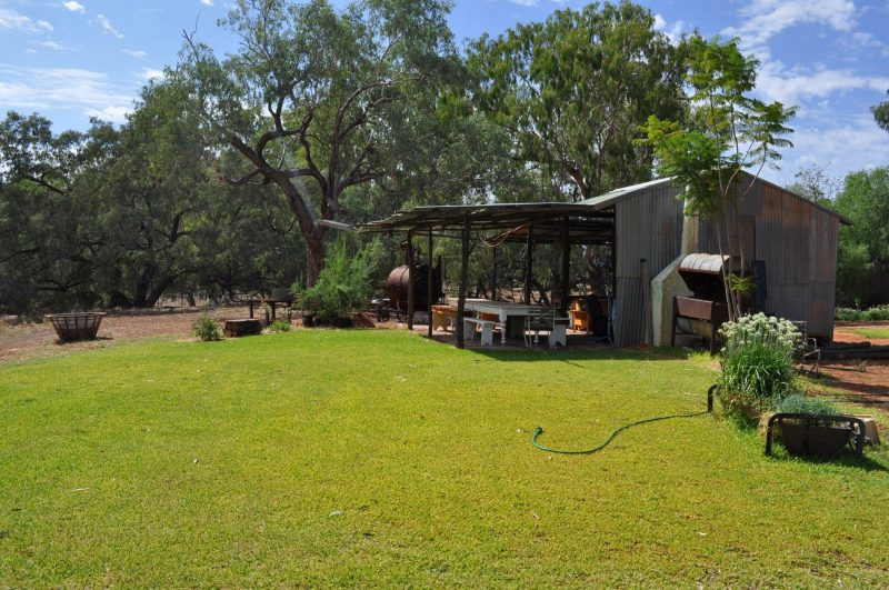 Rustic Kitchen, On the banks of the Darling River, Fully equipt, Rose Isle Station