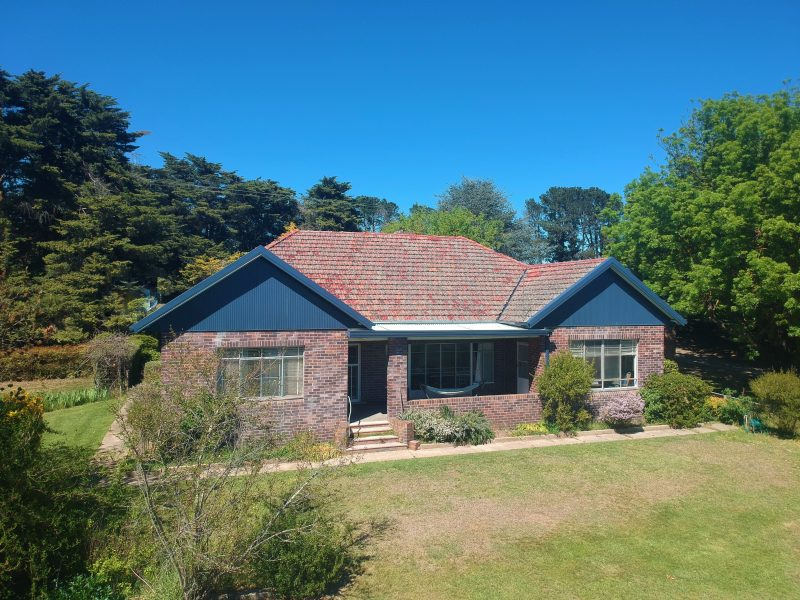 Roslyn Estate Farmhouse