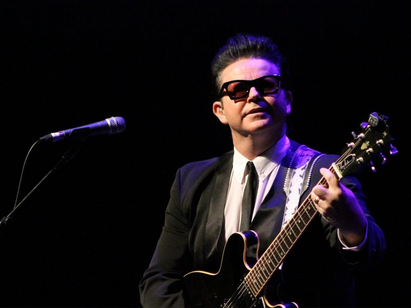 Roy Orbison Reborn starring Dean Bourne