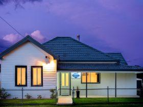Sapphire Cottage