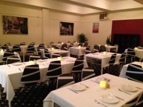 Schnitz And Giggles - Club Heathcote Restaurant