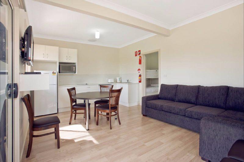 Seaview Beach Houses - lounge/kitchen