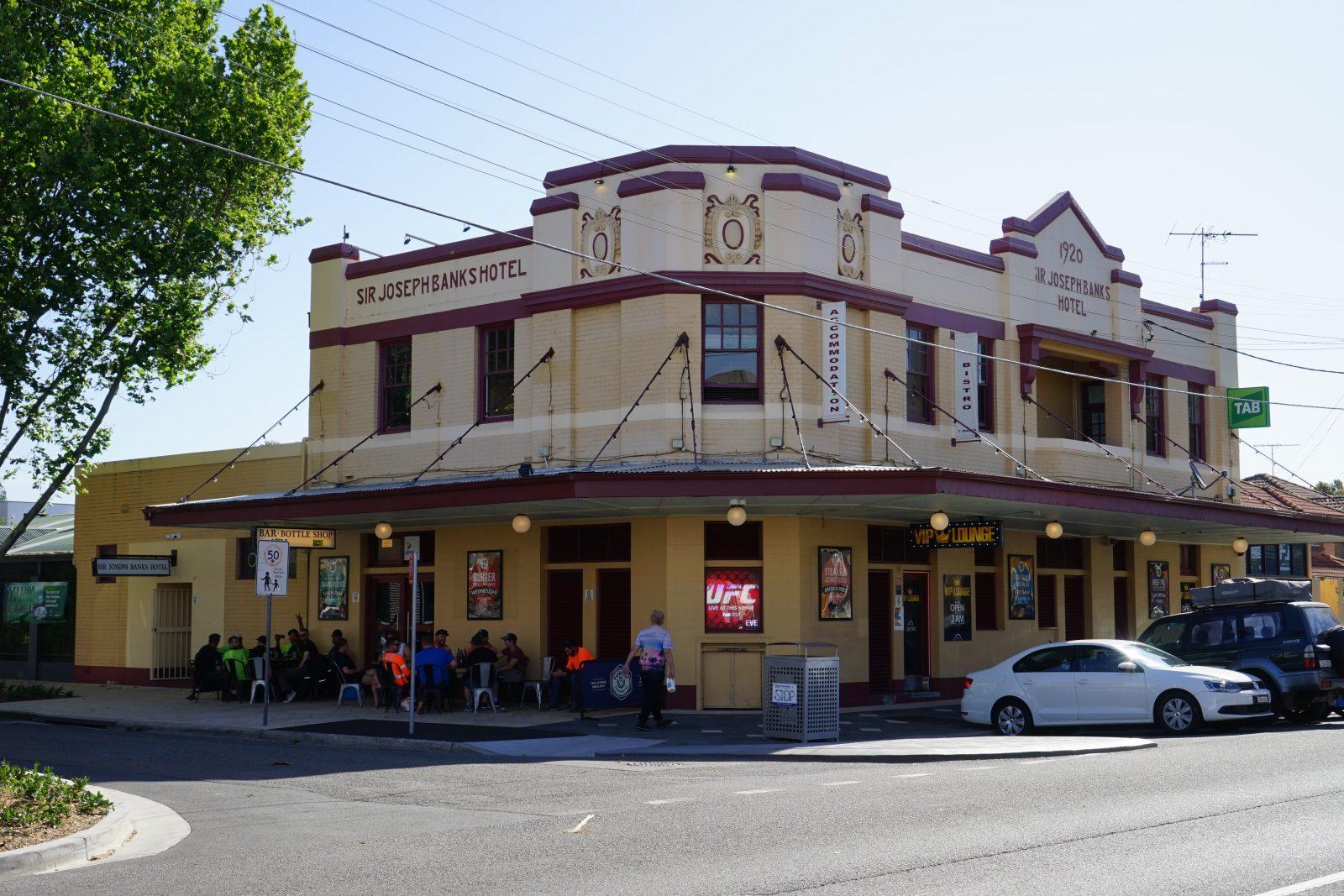Sir Joseph Banks Hotel Exterior