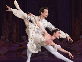 Male and female ballet dancers