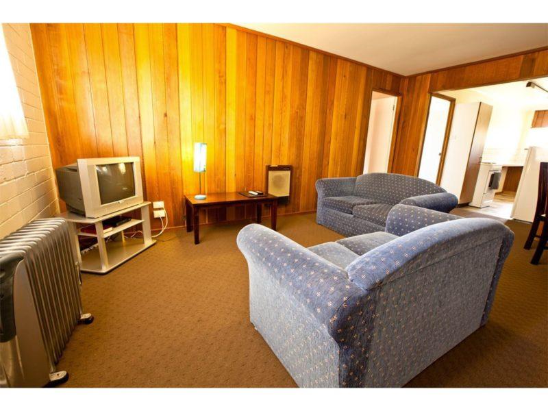 Snowy Mountains Motel