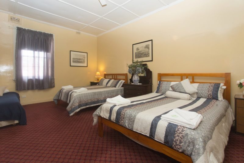 Southern-Railway-Hotel-Coolavin-pub-goulburn-accommodation
