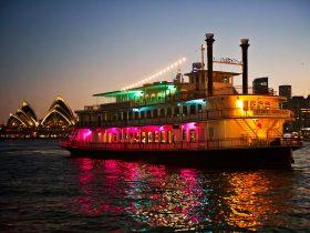 Sydney Harbour Dinner Cruise - Sydney Showboats