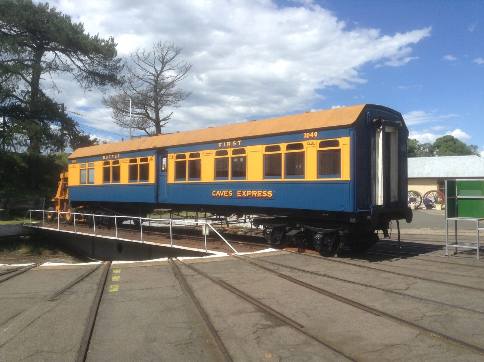 Caves Express carriage on turntable