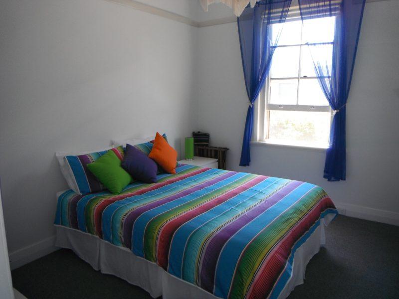 Quiet room with queen bed