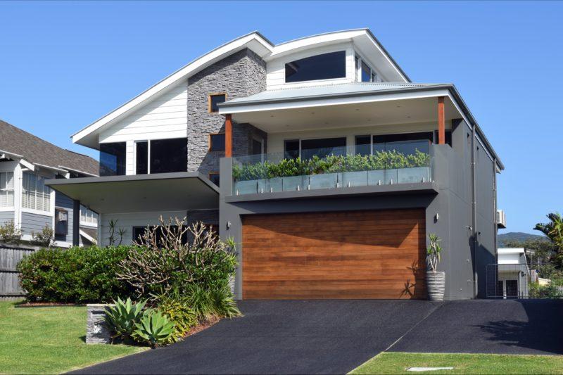 Large house - opp Werri