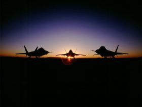 _Planes at sunset