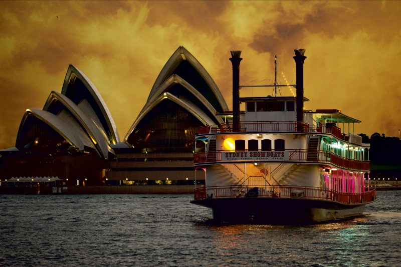 Sydney Showboats dinner cruise