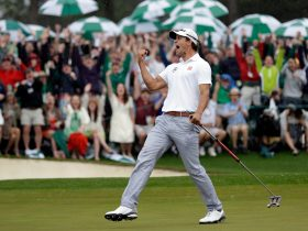 Adam Scott celebrates birdie on 18th Hole, Masters 2013