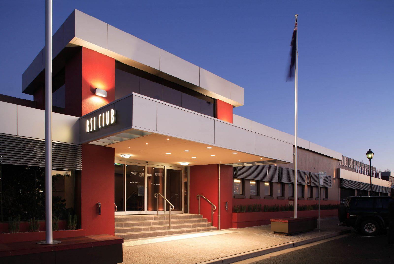 Bathrust RSL Club exterior