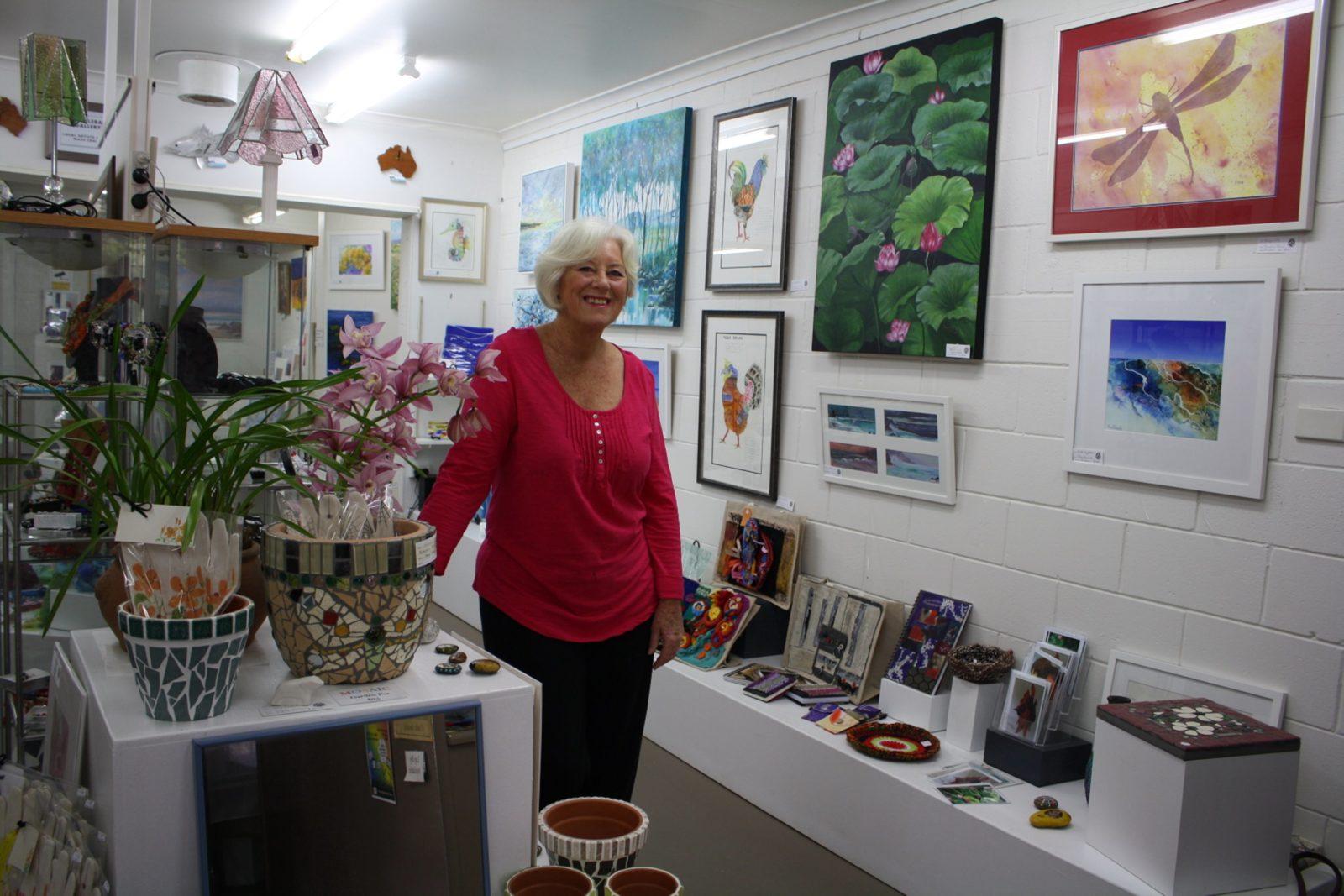 Manger of The Gallery - Laureen Phillips