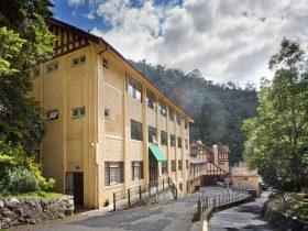 The Gatehouse Backpacker Lodge