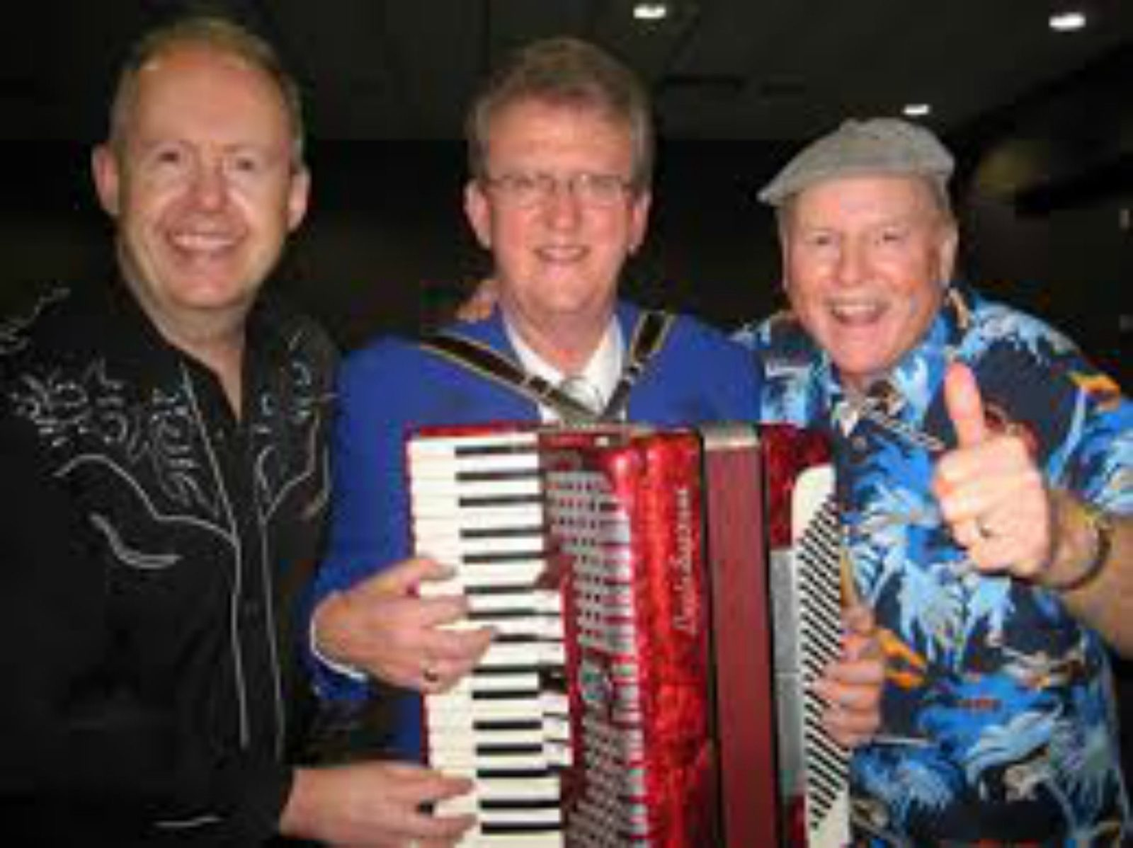 The Howie Bros. and Wayne Horsburgh will entertain at Young Bowling Club on May 28.