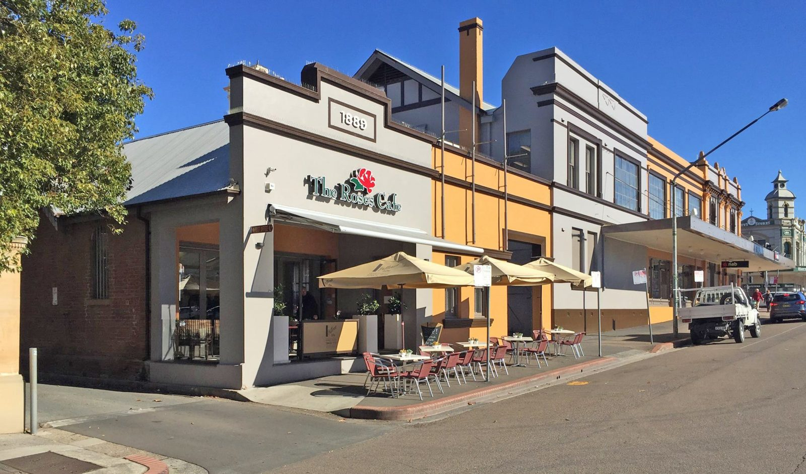 Front facade of The Roses Cafe