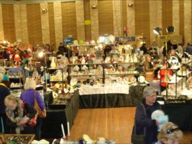 The Rotary club of Springwood's Antique, Vintage and Collectables Fair