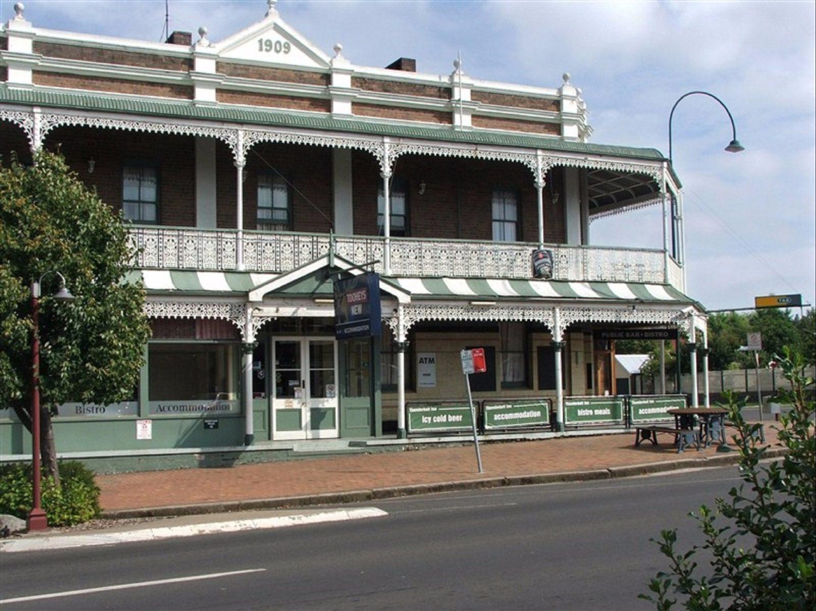 Thunderbolt Inn
