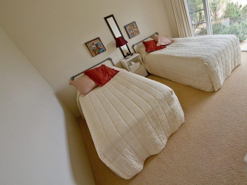Tinnies Twin Room