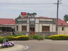 Top Pub Commercial Hotel