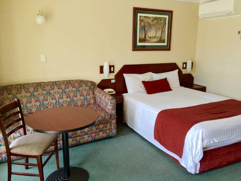 Town Square Motel Orange Queen Room