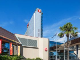 Travelodge Bankstown - Hotel Exterior