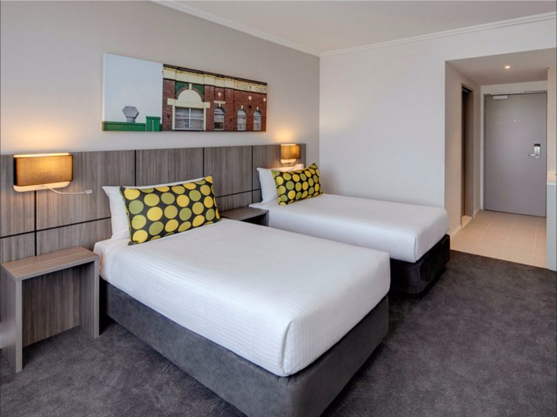 Travelodge Bankstown - Guest Room with Twin Beds