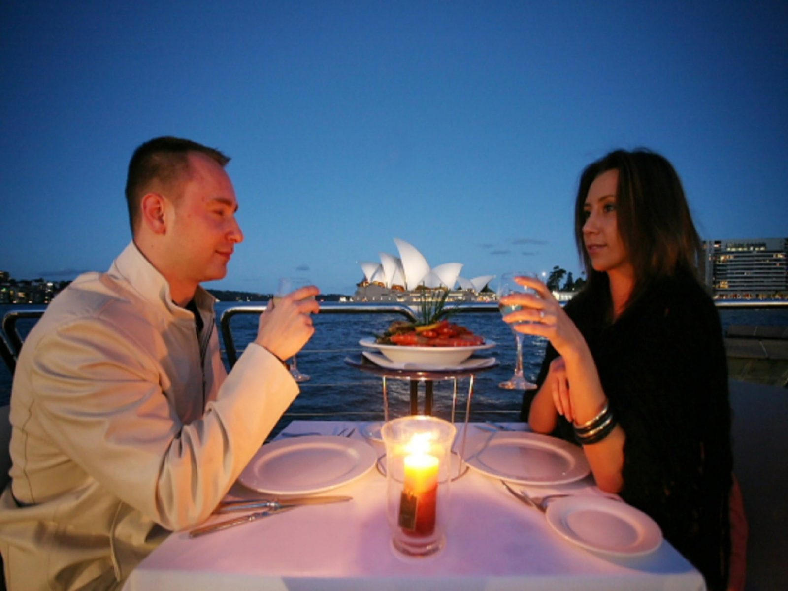 2-Hour Magistic Express Dinner Cruise