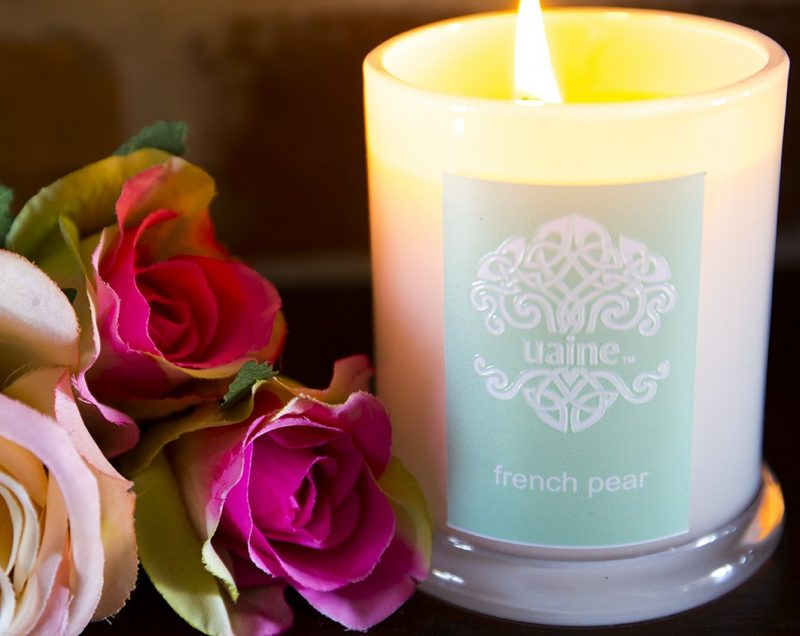 Uaine French Pear candle pictures with roses