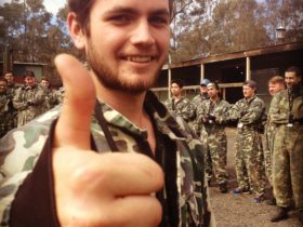 Ultimate Paintball Thumbs Up