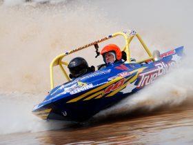 V8 Super Boats