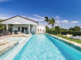Villa St Helena - Byron Bay - Pool Toward House