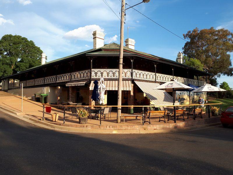 Wallendbeen Hotel | Food Drink | Wallendbeen | New South Wales