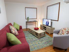 Waratah Lounge room