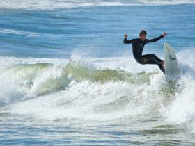 Yamba-Angourie Surf School