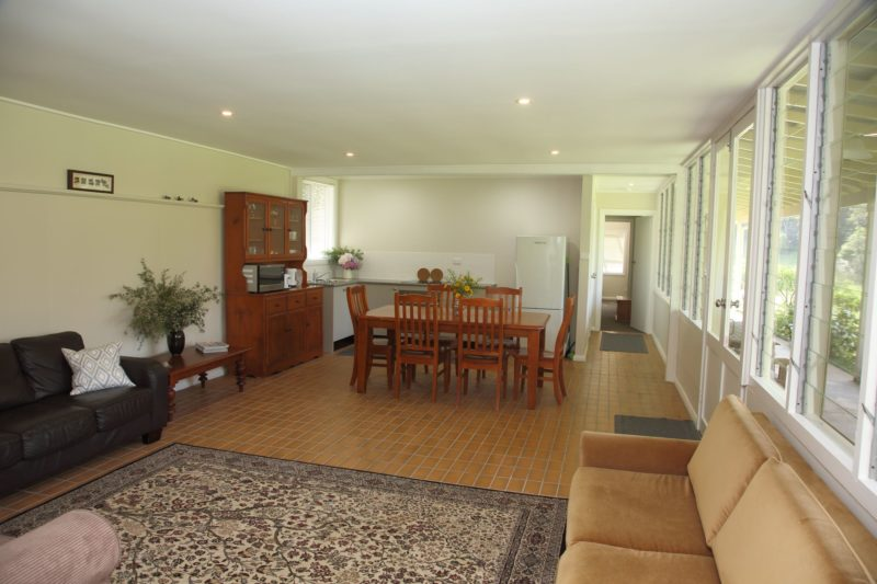 The Guesthouse - Yarramalong Valley Accommodation