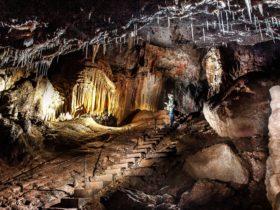 Yarrangobilly Castle Cave