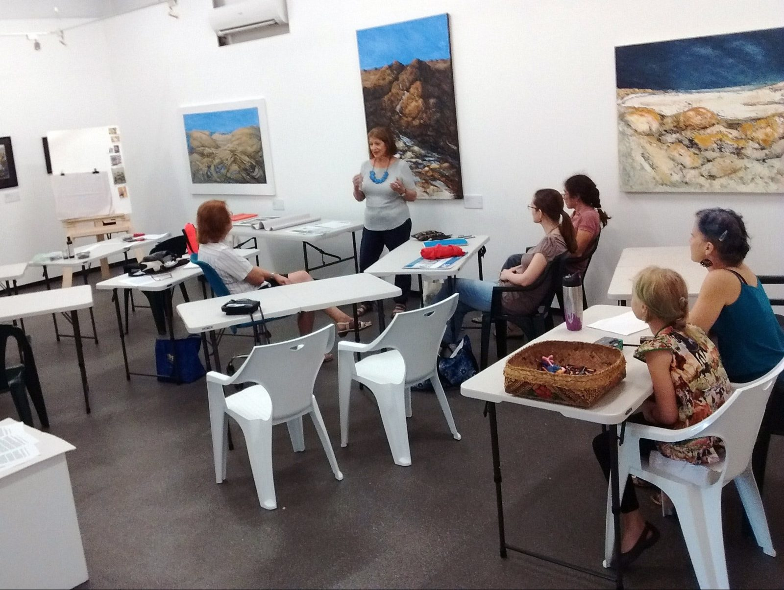 DVAA art gallery artist workshop