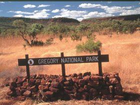 Escarpment Walk - Victoria River Area Northern Territory